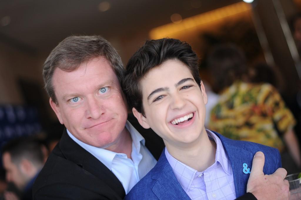 Nam diễn viên đóng phim Disney Channel bị bắt giam và sa thải vì gạ tình thiếu niên 13 tuổi - Ảnh 1.