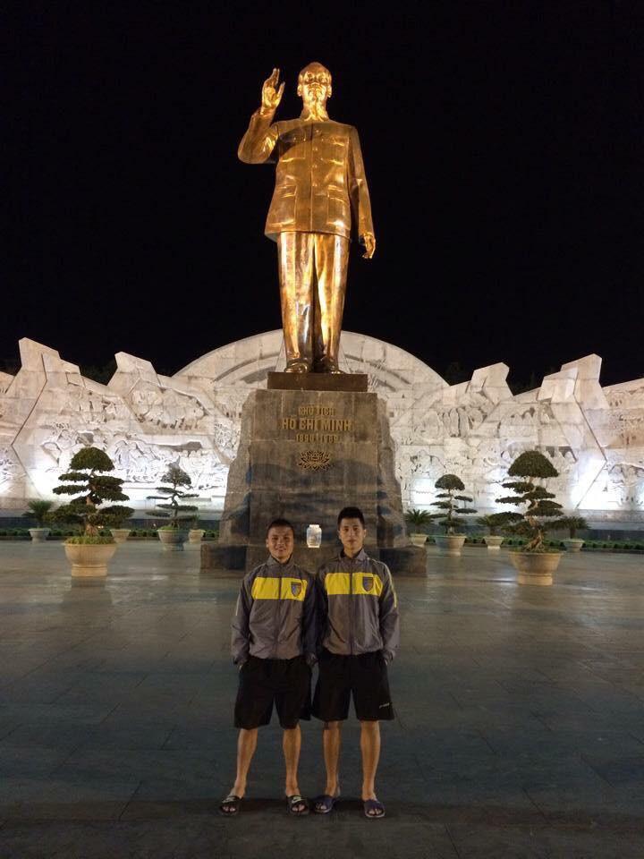 Lộ ảnh 6 năm trước của Quang Hải - Đình Trọng: Bộ đôi siêu ngố, nhất định không đổi vị trí khi chụp hình - Ảnh 2.