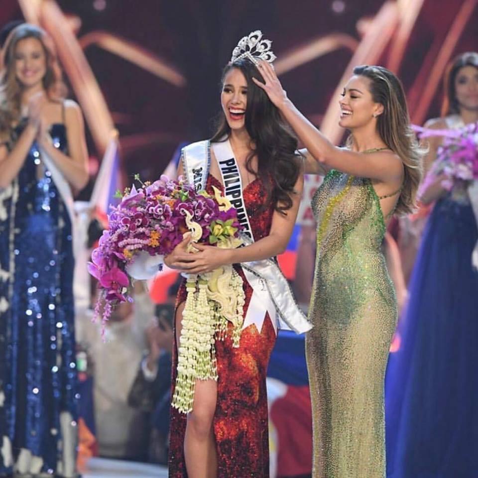 Nhan sắc lai đẹp rực rỡ của Tân Hoa hậu Hoàn vũ 2018 và loạt thành tích khủng trên hành trình đoạt vương miện thứ 3! - Ảnh 1.