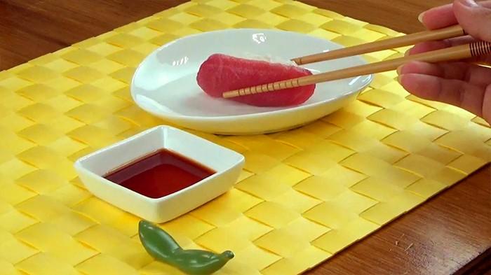 Đầu bếp người Nhật nổi tiếng tiết lộ cách ăn sushi hoàn hảo nhất - Ảnh 4.