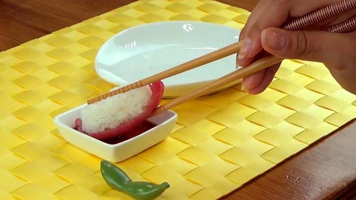Đầu bếp người Nhật nổi tiếng tiết lộ cách ăn sushi hoàn hảo nhất - Ảnh 6.