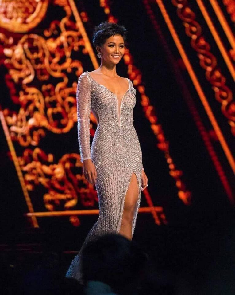 Cận cảnh chiếc váy HHen Niê mặc khi lọt top 5 Miss Universe 2018: đính 3000 viên đá quý, mất hơn 1 tháng để thực hiện - Ảnh 4.