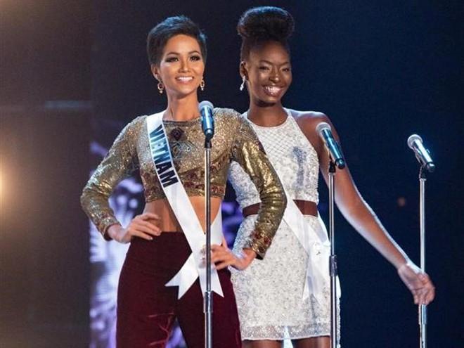 Nhìn lại những màn trình diễn quá sức tuyệt vời giúp HHen Niê lập kỳ tích vào Top 5 chung kết Miss Universe 2018 - Ảnh 1.
