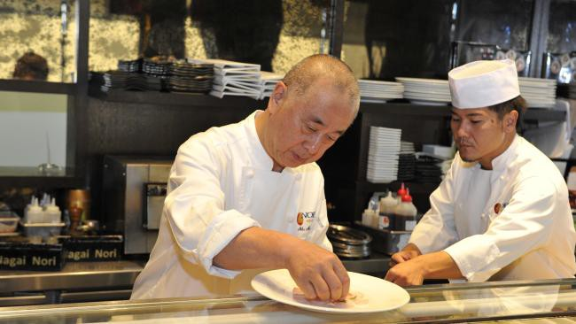 Đầu bếp người Nhật nổi tiếng tiết lộ cách ăn sushi hoàn hảo nhất - Ảnh 1.
