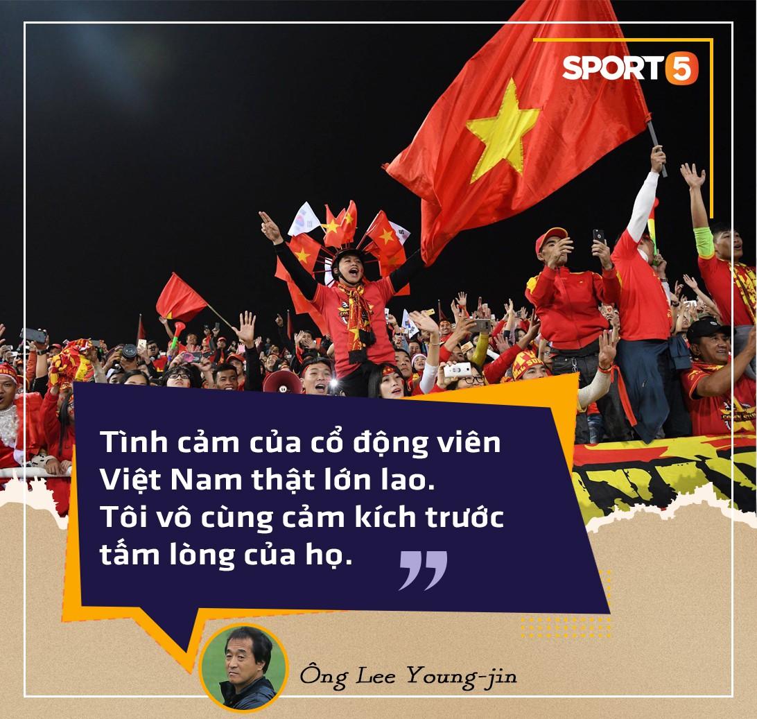 Người hùng thầm lặng của đội tuyển Việt Nam tại AFF Cup 2018: Tôi chấp nhận đánh cược sự nghiệp để sang Việt Nam làm việc - Ảnh 2.