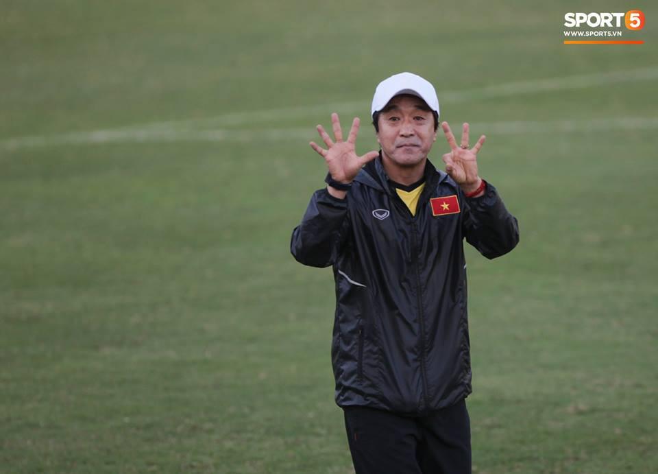 Người hùng thầm lặng của đội tuyển Việt Nam tại AFF Cup 2018: Tôi chấp nhận đánh cược sự nghiệp để sang Việt Nam làm việc - Ảnh 1.
