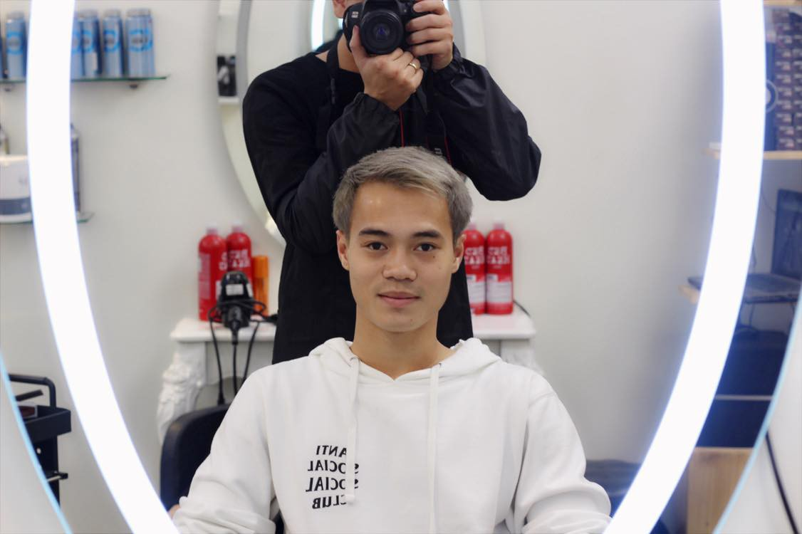 Văn Toàn ở Hà Nội nhuộm tóc, tuyển Việt Nam đua nhau đi du lịch sau khi vô địch AFF Cup 2018 - Ảnh 2.