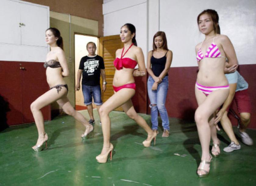 Trại đào tạo hoa hậu tại Philippines: Nơi những cô gái học cách trở thành nữ hoàng - Ảnh 9.