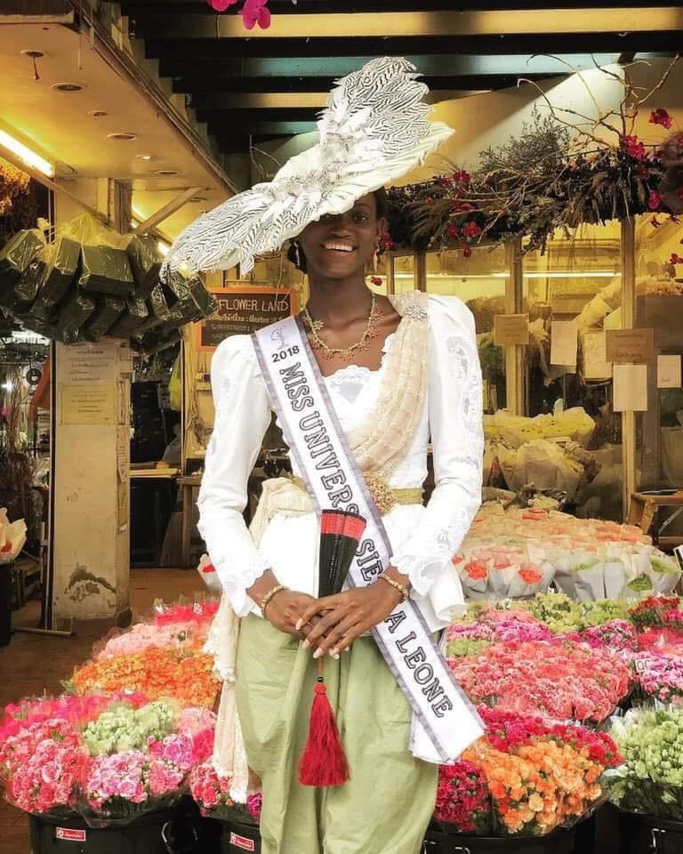 Câu chuyện cảm động về thí sinh Miss Universe 2018: Dự thi muộn vì quá nghèo, nhưng nhận cái kết ấm lòng từ người dân Thái - Ảnh 6.