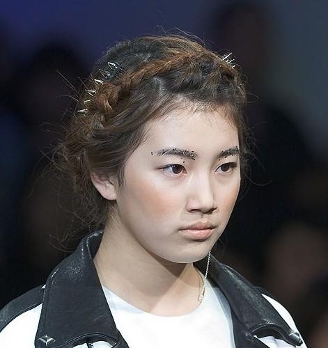 Đẹp như búp bê sống trong hình fan chụp vội, Suzy bỗng bị netizen khủng bố với loạt ảnh quá khứ khác một trời một vực - Ảnh 11.