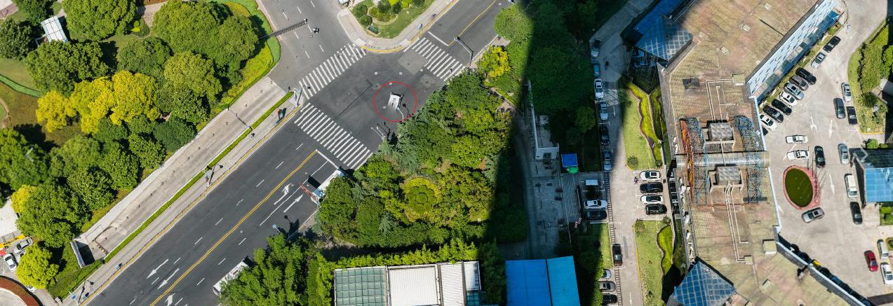 Bức ảnh siêu khổng lồ chụp toàn cảnh thành phố Thượng Hải, zoom được tận mặt người đi đường gây bão MXH - Ảnh 6.