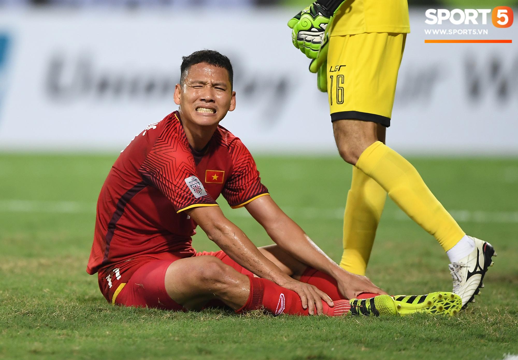 Báo Châu Á: Không gọi Anh Đức và Văn Quyết, Việt Nam định buông Asian Cup? - Ảnh 1.