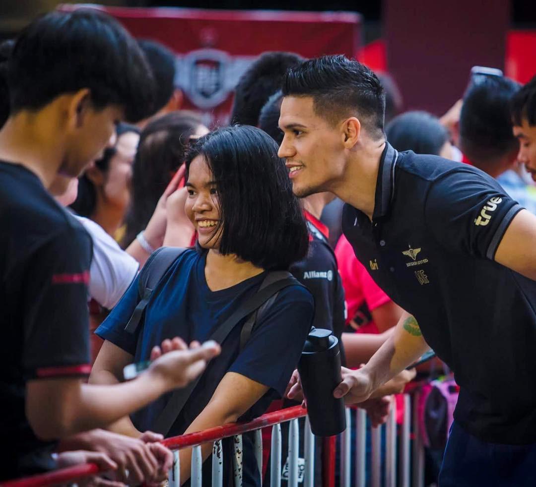Sau trận bán kết lượt đi giữa Việt Nam - Philippines, đây chính là nhân vật được các fan girl truy info nhiều nhất - Ảnh 7.