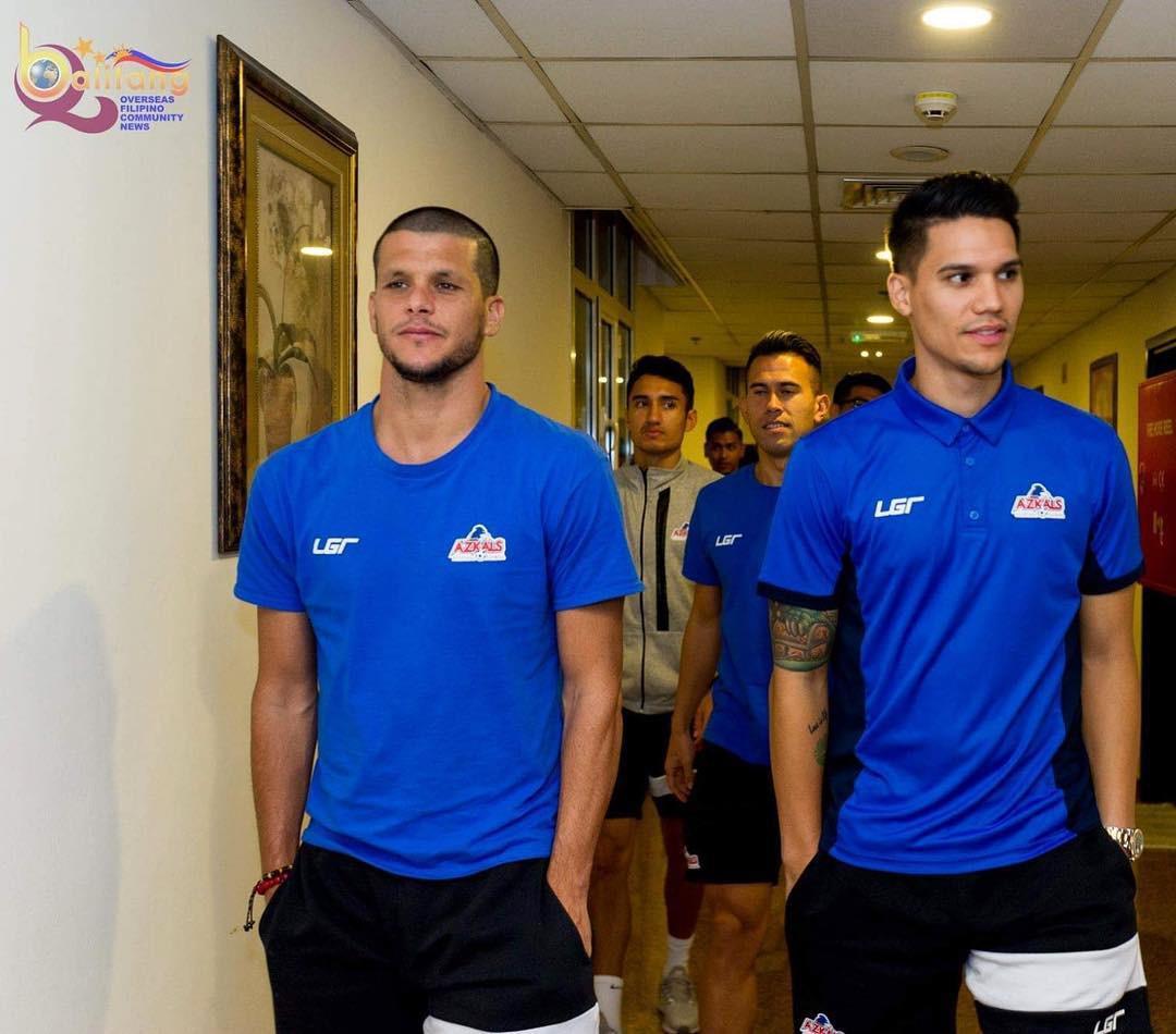 Sau trận bán kết lượt đi giữa Việt Nam - Philippines, đây chính là nhân vật được các fan girl truy info nhiều nhất - Ảnh 8.