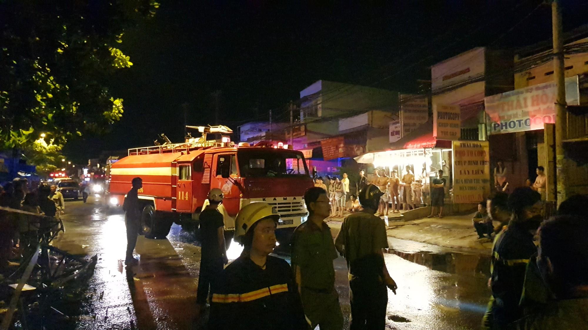 Cháy dãy trọ ở Sài Gòn, nữ công nhân 18 tuổi không kịp thoát thân - Ảnh 2.