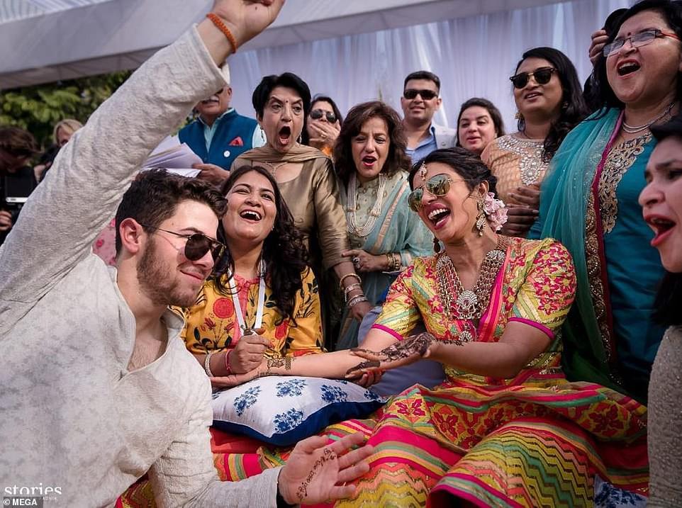 Những hình ảnh đầu tiên trong đám cưới thế kỷ diễn ra suốt 3 ngày của Nick Jonas và Hoa hậu Thế giới - Ảnh 1.