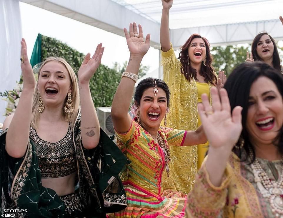 Những hình ảnh đầu tiên trong đám cưới thế kỷ diễn ra suốt 3 ngày của Nick Jonas và Hoa hậu Thế giới - Ảnh 3.