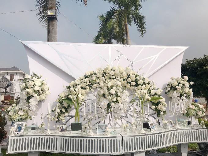 Siêu đám cưới ở Thái Nguyên trang trí hết 4 tỷ đồng với hơn 13.000 bông hoa tươi nhập khẩu thu hút nghìn người tới chụp ảnh - Ảnh 7.