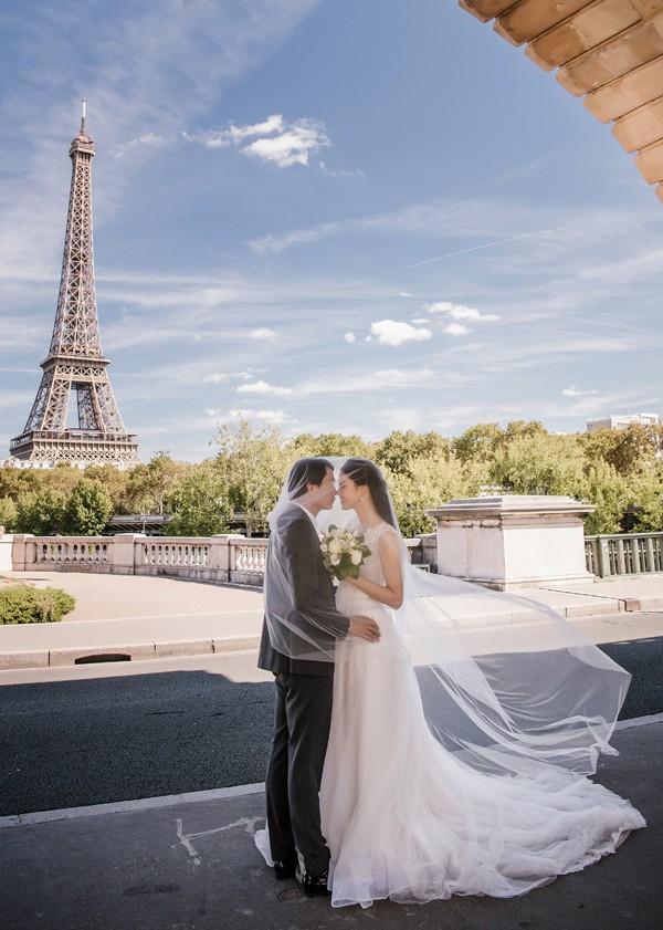 Trọn bộ ảnh cưới tại Pháp của Á hậu Thanh Tú và ông xã doanh nhân trước giờ G hôn lễ - Ảnh 1.