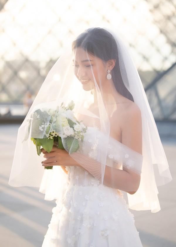 Trọn bộ ảnh cưới tại Pháp của Á hậu Thanh Tú và ông xã doanh nhân trước giờ G hôn lễ - Ảnh 8.