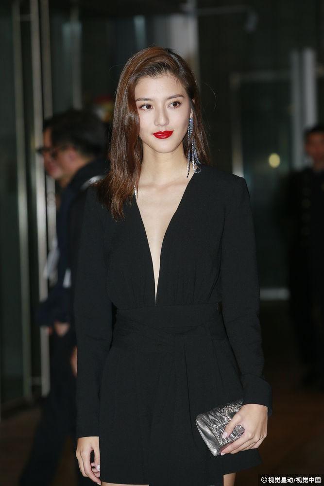 Đám cưới hoành tráng của Chung Hân Đồng: Ông trùm showbiz Hong Kong, con gái tài phiệt Macau cùng dàn sao hạng A tề tựu đông đủ - Ảnh 28.
