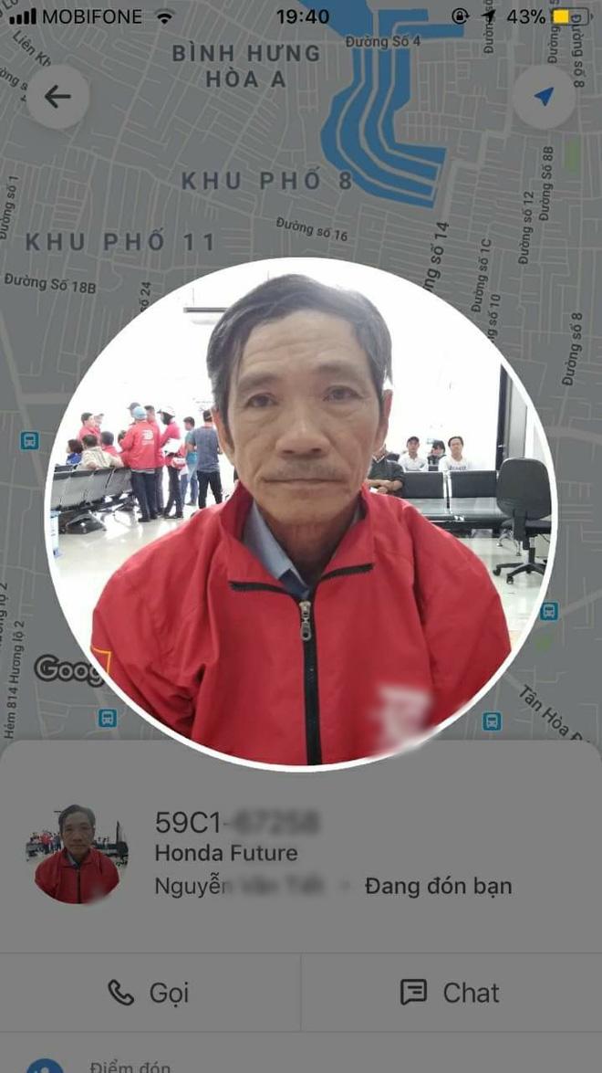 Bác tài xế xe ôm công nghệ khổ sở vì bị bom cốc trà sữa trong đêm mưa ở Sài Gòn: Cuộc đời tôi đâu dám uống đồ mắc quá vậy - Ảnh 2.