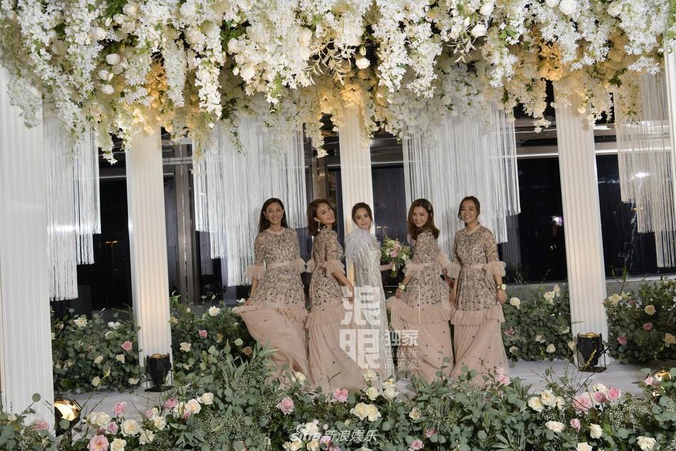 Đám cưới hoành tráng của Chung Hân Đồng: Ông trùm showbiz Hong Kong, con gái tài phiệt Macau cùng dàn sao hạng A tề tựu đông đủ - Ảnh 39.