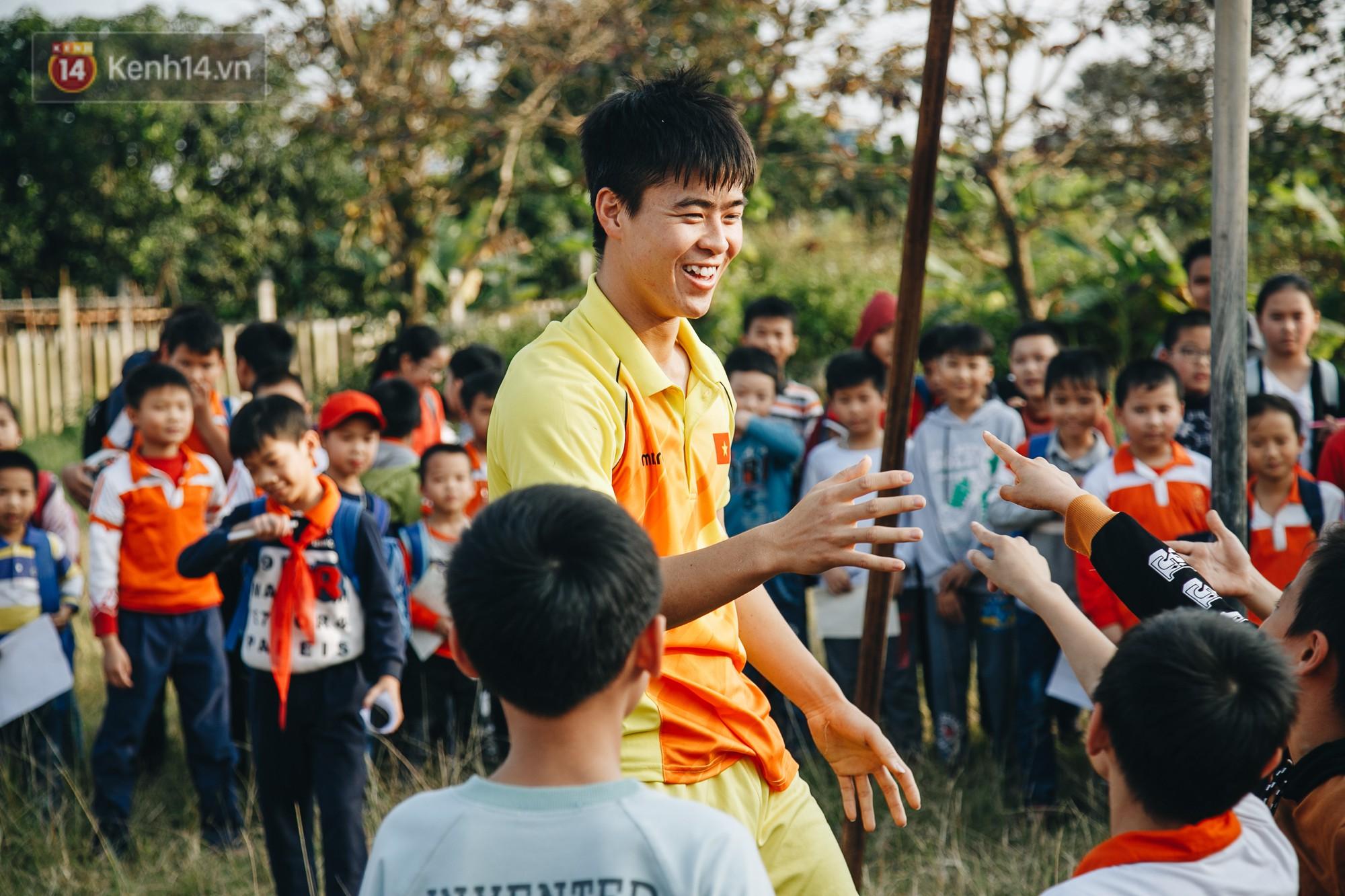 Đỗ Duy Mạnh: Chuyện cậu bé nhặt bóng 10 năm trước và người hùng sau vô địch AFF Cup 2018 - Ảnh 10.