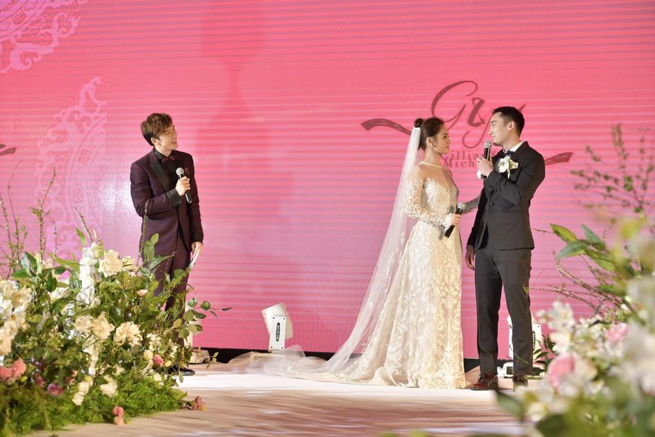 Đám cưới hoành tráng của Chung Hân Đồng: Ông trùm showbiz Hong Kong, con gái tài phiệt Macau cùng dàn sao hạng A tề tựu đông đủ - Ảnh 35.