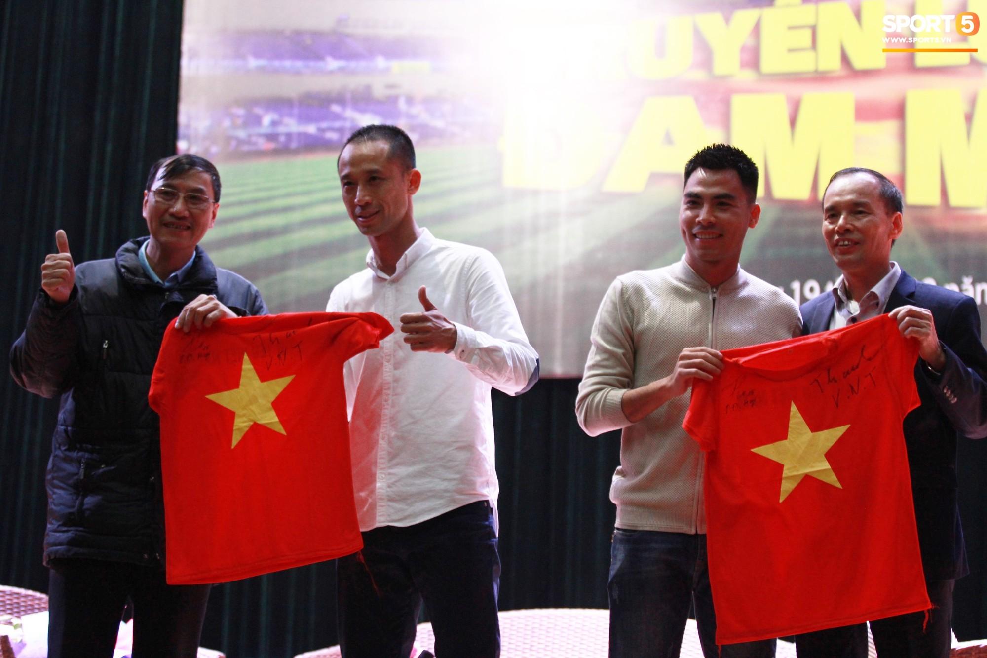 Nhà vô địch Phạm Đức Huy truyền cảm hứng cho sinh viên Học viện Công nghệ Bưu chính Viễn thông - Ảnh 2.