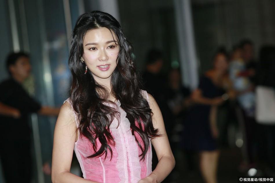 Đám cưới hoành tráng của Chung Hân Đồng: Ông trùm showbiz Hong Kong, con gái tài phiệt Macau cùng dàn sao hạng A tề tựu đông đủ - Ảnh 24.