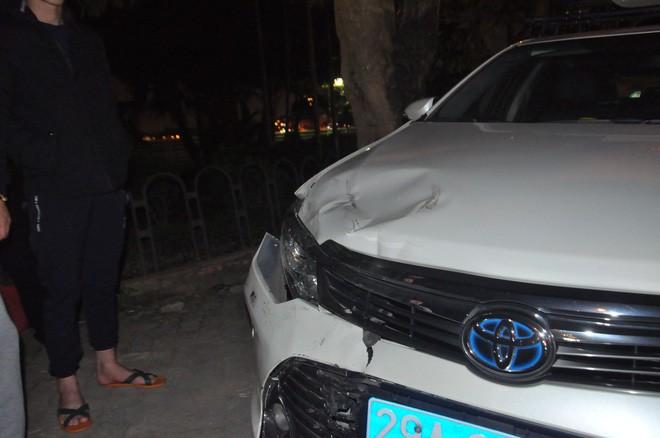 """Đại tá CSGT nói vụ xe Lexus đâm liên hoàn ở phố Trích Sài """"có dấu hiệu của một tội phạm"""" - Ảnh 1."""