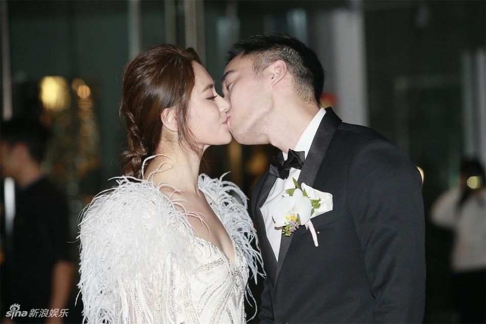 Đám cưới hoành tráng của Chung Hân Đồng: Ông trùm showbiz Hong Kong, con gái tài phiệt Macau cùng dàn sao hạng A tề tựu đông đủ - Ảnh 5.
