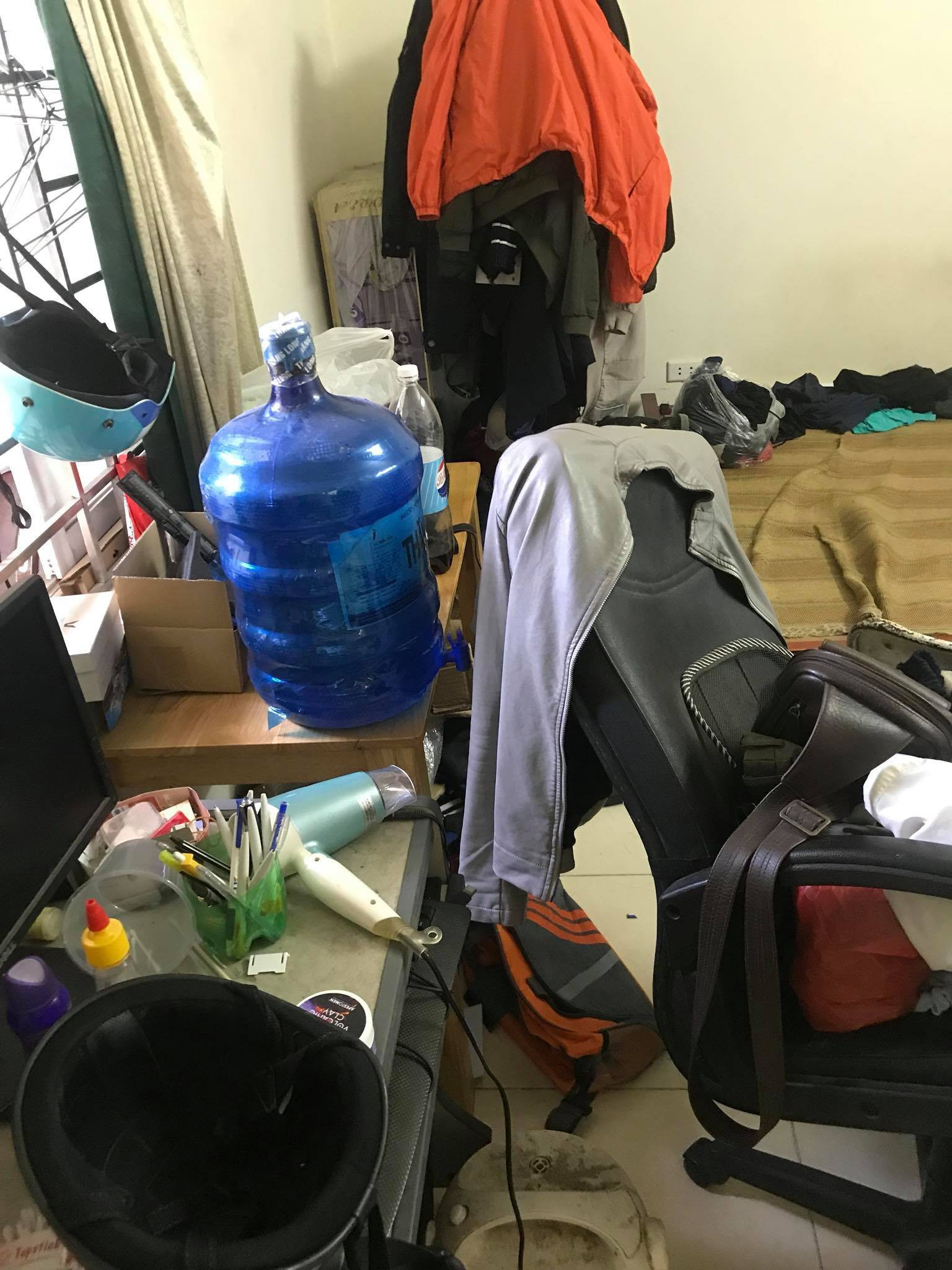 Tổng hợp những phòng trọ sinh viên bẩn nhất 2018, khi các thánh ở dơ ra ngoài áo quần lồng lộn nhưng về nhà bừa bộn không chịu nổi - Ảnh 2.