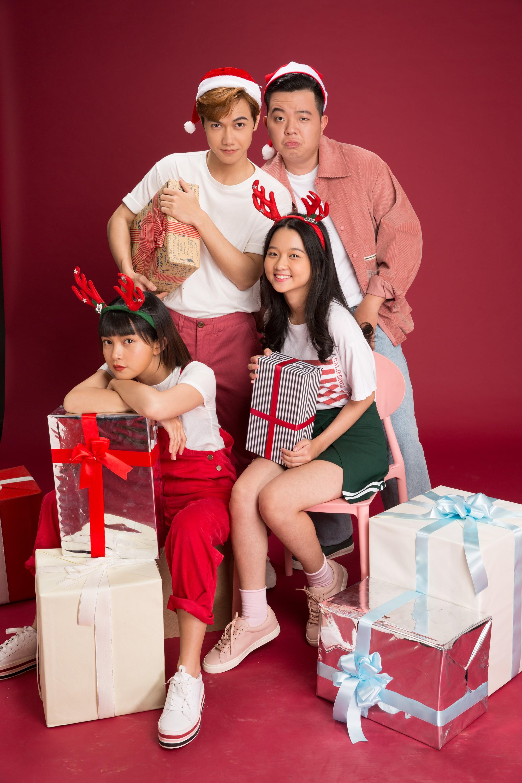 Thanh Mỹ và bạn diễn JSol trong Tình Đầu Thơ Ngây nhắng nhít ở bộ ảnh đón Giáng Sinh bên nhau - Ảnh 2.