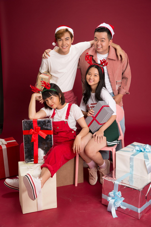 Thanh Mỹ và bạn diễn JSol trong Tình Đầu Thơ Ngây nhắng nhít ở bộ ảnh đón Giáng Sinh bên nhau - Ảnh 4.