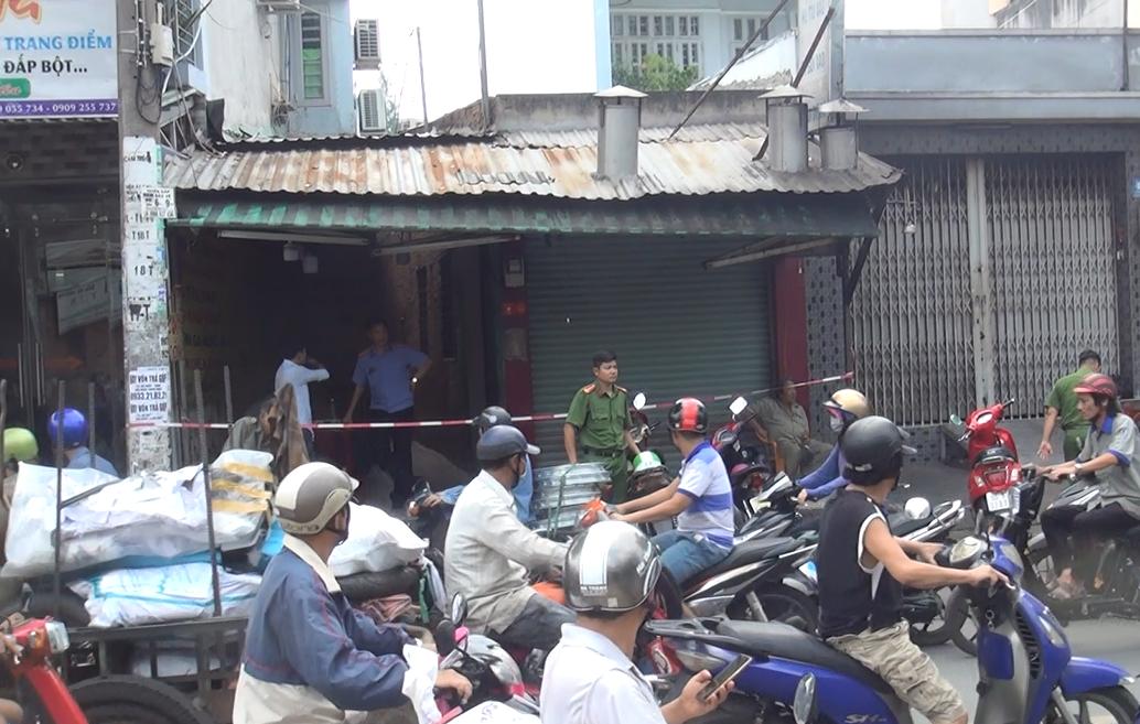 Vụ nam thanh niên bị bạn thân đâm chết ở Sài Gòn: Truy bắt thêm 2 đối tượng liên quan - Ảnh 2.