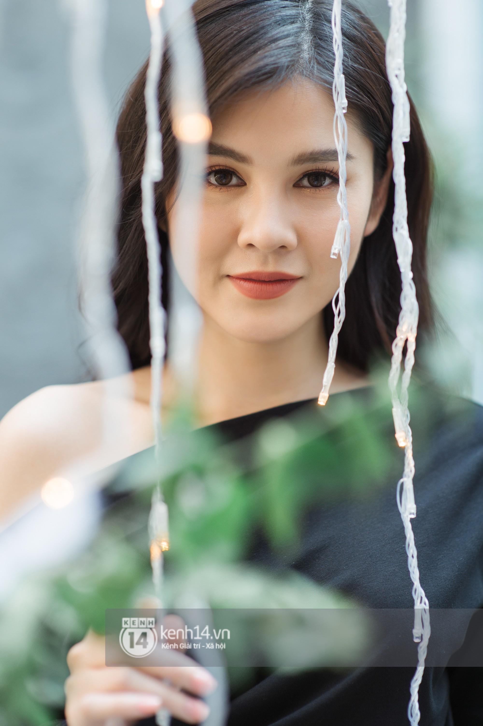 MC Thu Hoài - cô gái Việt được chú ý nhất sau mùa AFF Cup: Nếu có đại gia chống lưng thì đã không khổ thế - Ảnh 9.