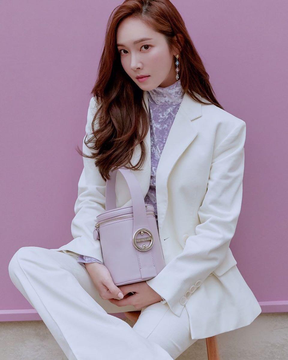 """Chỉ là blazer trắng mà có cả chục cách mix khác biệt, Jessica Jung quả xứng danh """"cao thủ mặc đẹp"""" - Ảnh 5."""