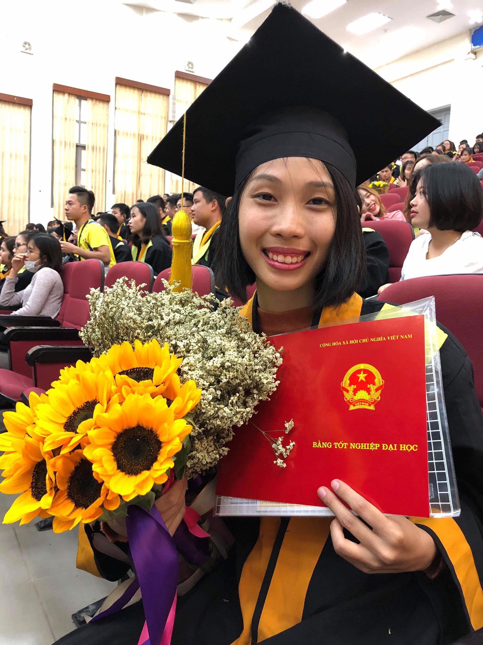 Cô gái ung thư 22 tuổi từng diễn vai về chính cuộc đời mình bật khóc ngày nhận bằng tốt nghiệp: Ước mơ của mình đã thành hiện thực rồi - Ảnh 5.