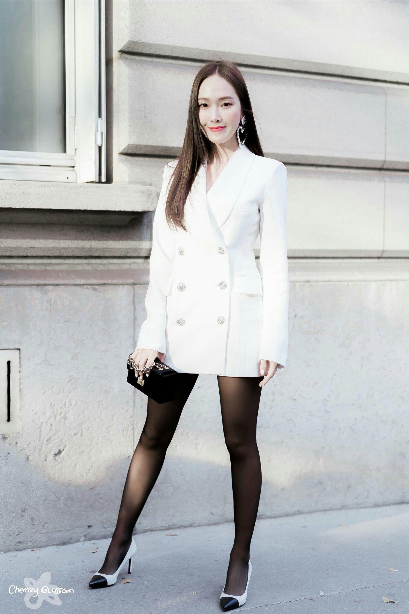 """Chỉ là blazer trắng mà có cả chục cách mix khác biệt, Jessica Jung quả xứng danh """"cao thủ mặc đẹp"""" - Ảnh 8."""