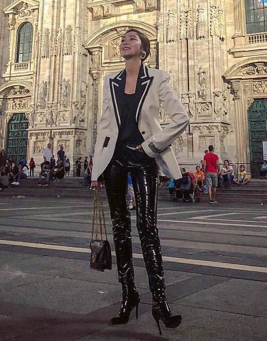 """Chỉ là blazer trắng mà có cả chục cách mix khác biệt, Jessica Jung quả xứng danh """"cao thủ mặc đẹp"""" - Ảnh 7."""