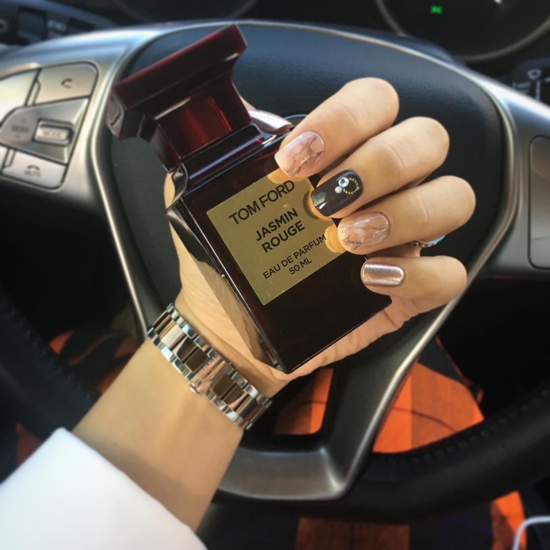 8 chai nước hoa được các beauty editor diện quanh năm vì mùi hương tuyệt vời hợp cả đông lẫn hè - Ảnh 3.