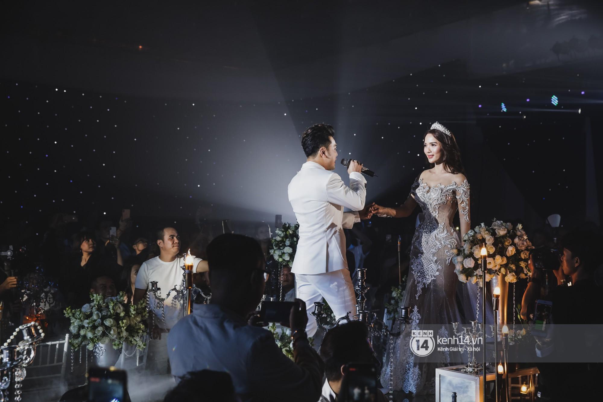 Điểm lại 5 đám cưới đình đám nhất showbiz Việt năm 2018: Xa hoa, lãng mạn và được bảo vệ nghiêm ngặt tới từng chi tiết - Ảnh 18.