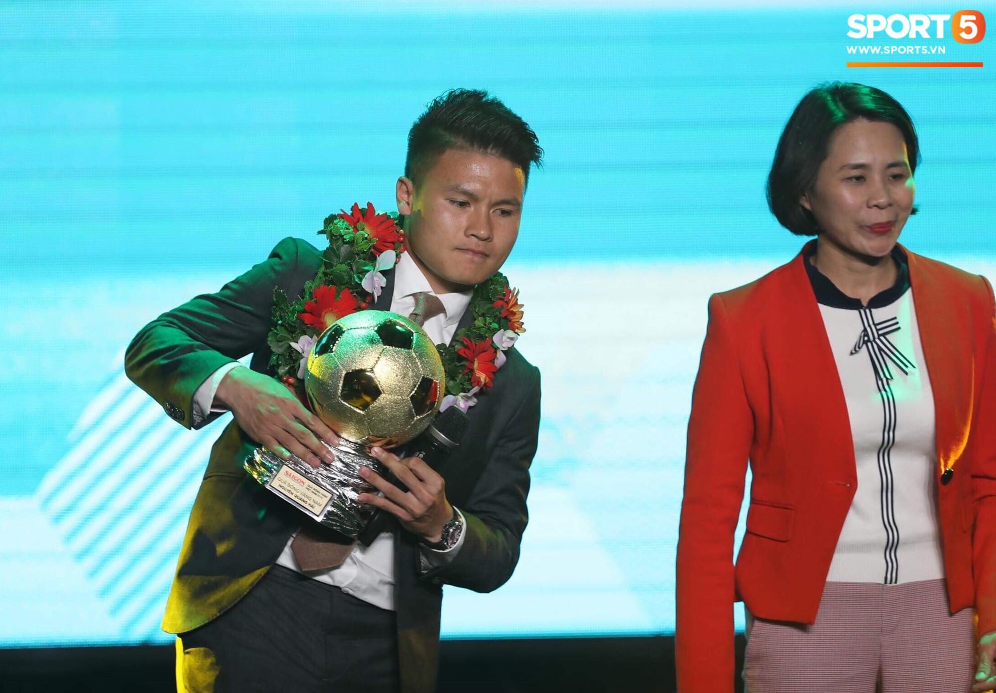 Người hâm mộ chưa hài lòng khi xem lễ trao giải Quả bóng vàng 2018 - Ảnh 6.