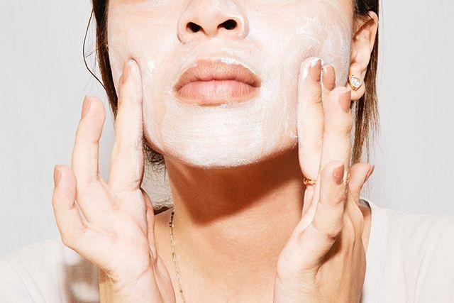 Chẳng cần tốn tiền vẫn có làn da đẹp nhờ duy trì các tips chăm sóc da từ chuyên gia chăm sóc da nổi tiếng - Ảnh 4.