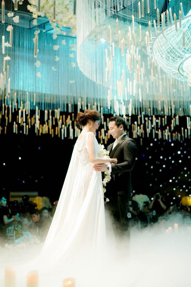 Điểm lại 5 đám cưới đình đám nhất showbiz Việt năm 2018: Xa hoa, lãng mạn và được bảo vệ nghiêm ngặt tới từng chi tiết - Ảnh 6.