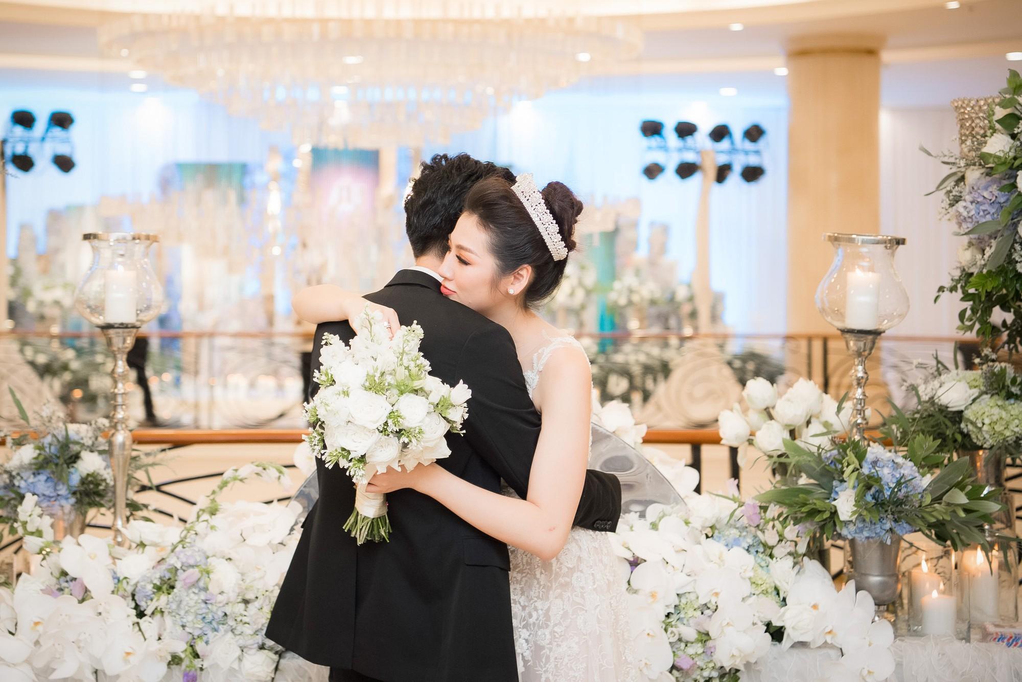 Điểm lại 5 đám cưới đình đám nhất showbiz Việt năm 2018: Xa hoa, lãng mạn và được bảo vệ nghiêm ngặt tới từng chi tiết - Ảnh 12.