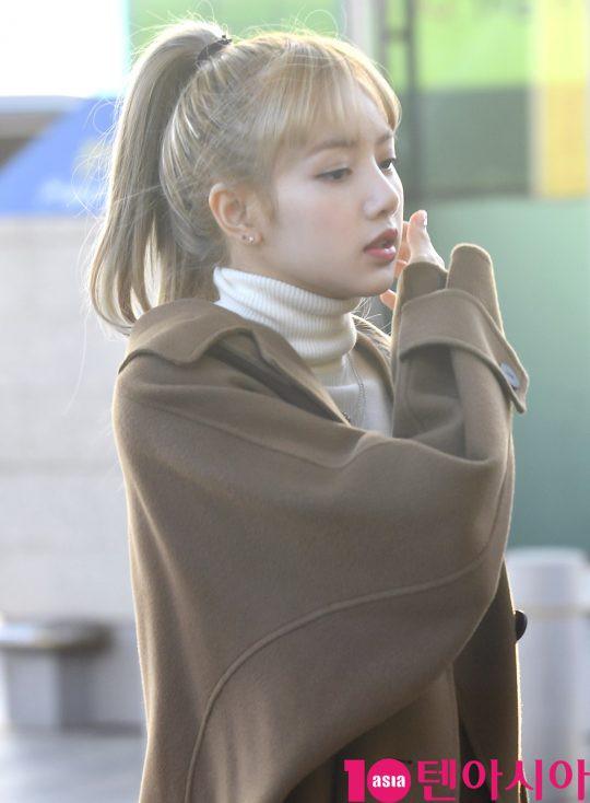 Hội quý tộc Black Pink lại gây náo loạn sân bay: Jennie sang chảnh, Jisoo quá đẹp nhưng nổi nhất là thành viên này - Ảnh 11.
