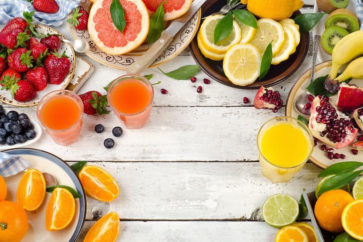4 loại vitamin mà cơ thể rất cần trong mùa đông, vừa giúp bảo vệ làn da vừa giúp tăng cường sức đề kháng - Ảnh 1.